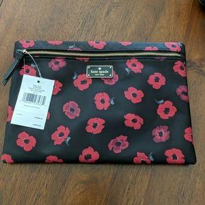 Kate Spade Wilson Road large Drew mini poppy pouch